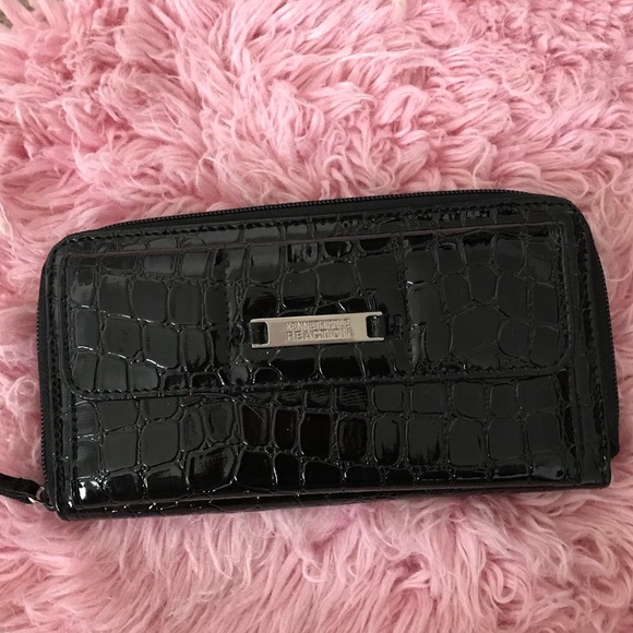 Kenneth Cole Handbags - Kenneth Cole Reaction black patent leather wallet